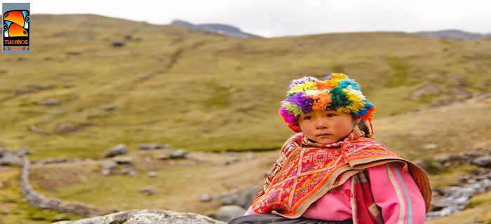 Lares trek  lovely girl from Lares community